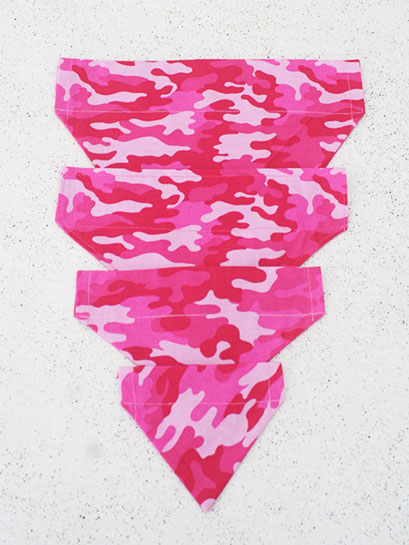 Pink Camo feed through collar Bandana